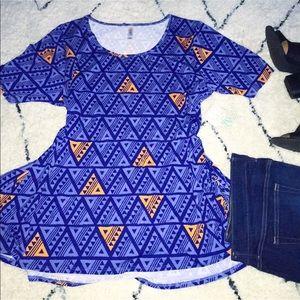 Triangle Print Perfect T 🎉
